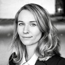 Liz Derks Portrait v2